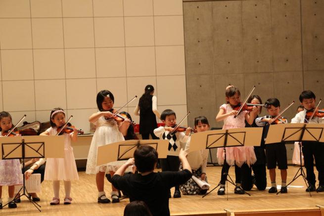 皆様良いクリスマスと平和なお正月をお迎えください。  鎌倉アミ 音楽教室 研究会の様子8