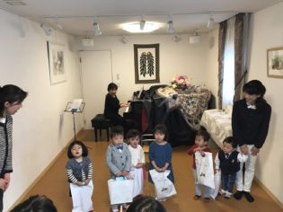 鎌倉アミ ナーサリー 卒業式2